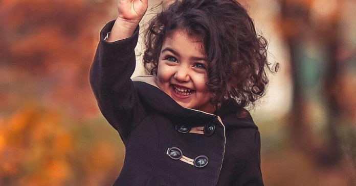 Anahita Hashemzadeh (Anahita Hashemzade) Wiki, Bio, Mom, Mother, HD pic, video, country, family,age, height, weight, instagram