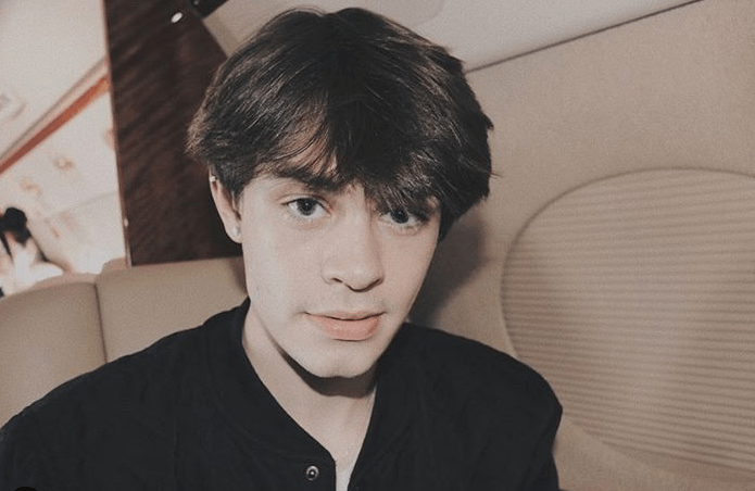 Anthony Reeves Age, Height, Net Worth, Mom, Girlfriend, Tik Tok, Tongue, Merch, Siblings, Middle Name, Birthday