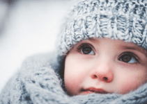 Cara menjaga agar bayi tetap hangat saat cuaca dingin