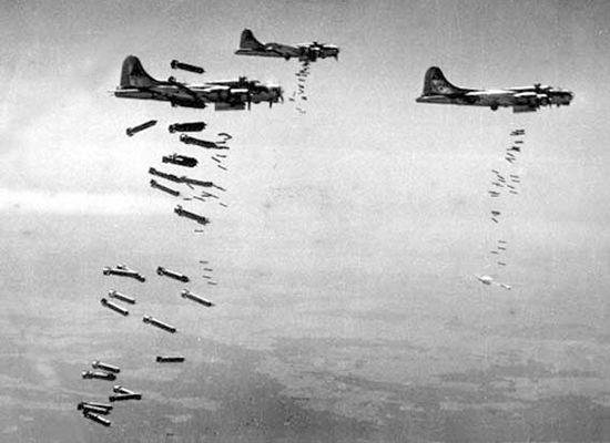 معلومات-عن-الحرب-العالمية-الثانيةاسقاط القنابل على المانيا