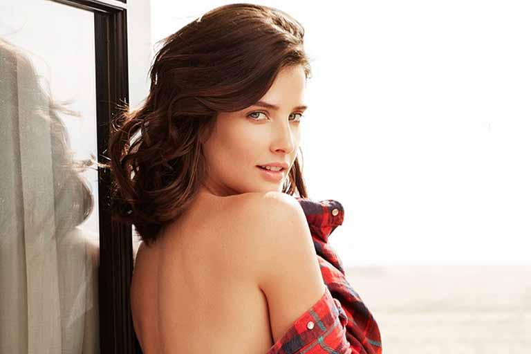 Cobie Smulders wiki, Age, Affairs, Net worth, Favorites and More