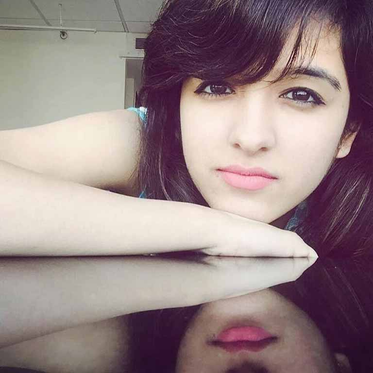 Shirley Setia wiki, age, Affairs, Family and More-1