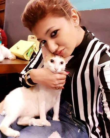 Jasleen with her cat