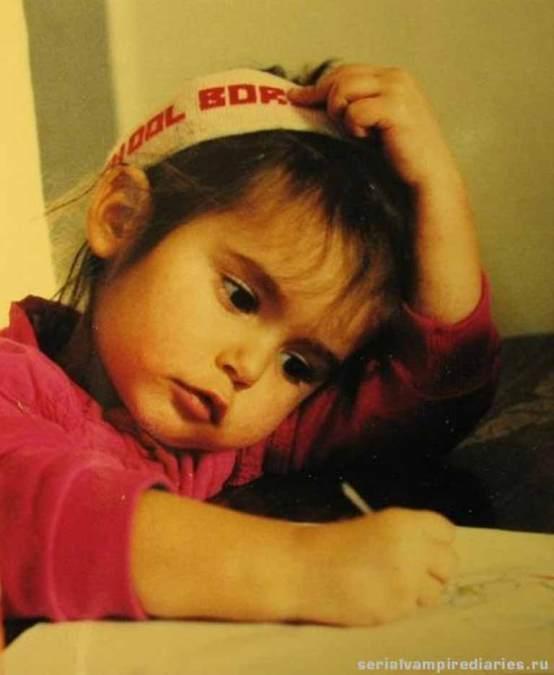 Nina Dobrev childhood pic