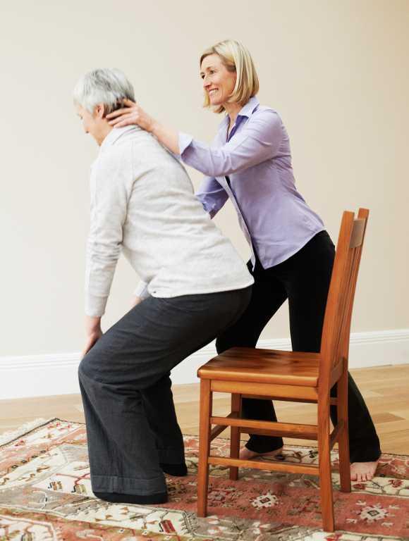 Top 9 biện pháp tự nhiên điều trị đau lưng