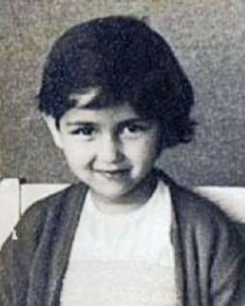 Actress Neena's childhood Photo