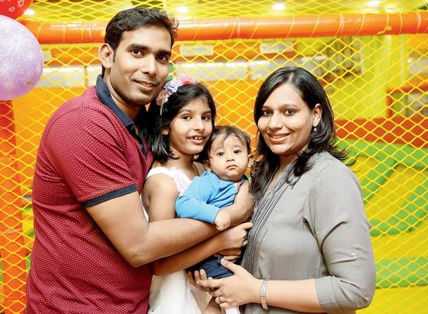 Sharath Kamal with wife Sripoorni and Children