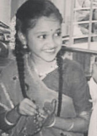 Childhood Pic of Disha Vakani