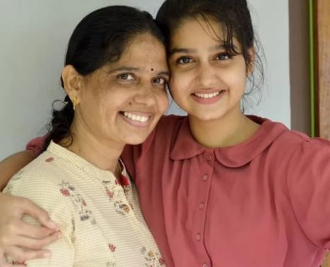 Anaswara with her mother