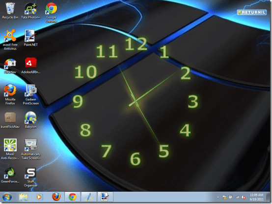 clock-on-desktop