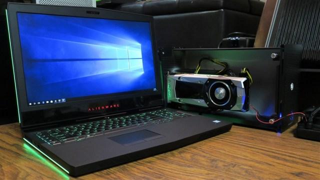 Alienware-17-r4-GTX-1070-eGPU-SLI-akitio-node