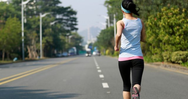 Runner-on-road-810x420