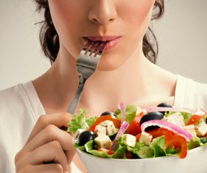 One Little Trick That Can Help You Eat Less