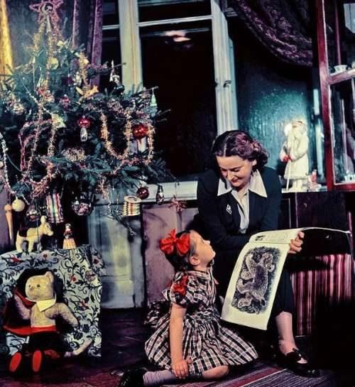 Wie man den Weihnachtsbaum in der UdSSR anzieht