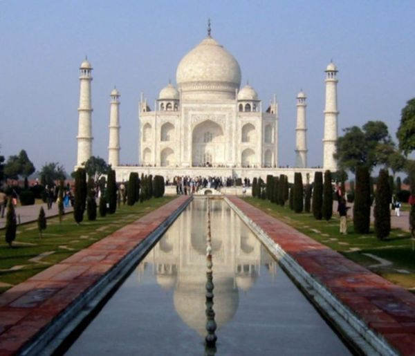 The Taj Mahal, Image Credit: http://wikitravel.org/en/Agra