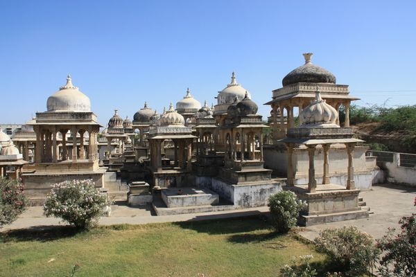 Royal cenotaphs in Ahar, near Udaipur. Image Credit: http://wikitravel.org/en/Udaipur