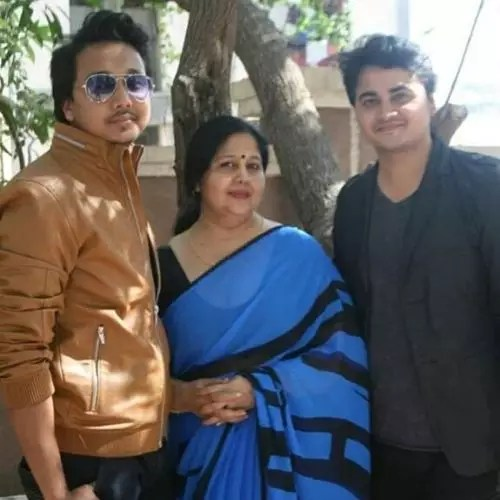 Mohit Sinha with brother and mother