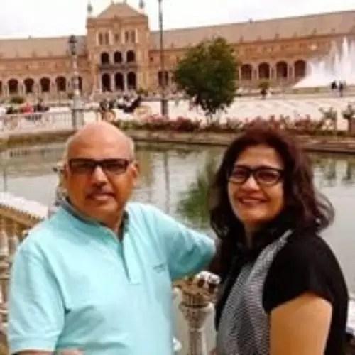 Apeksha Porwal Parents