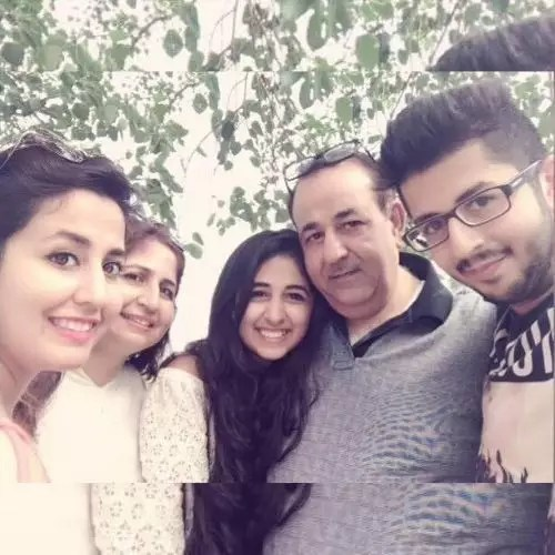 Ayushi Bhatia Family