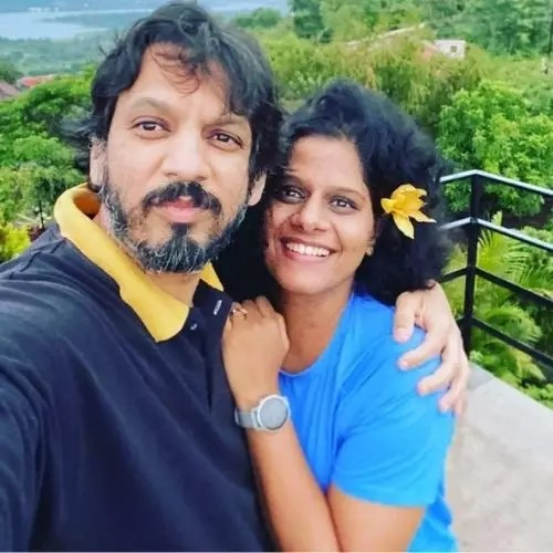 Vibhawari Deshpande with Husband (Hrishikesh Deshpand)