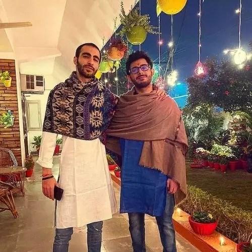 भाई के साथ अजय नागर