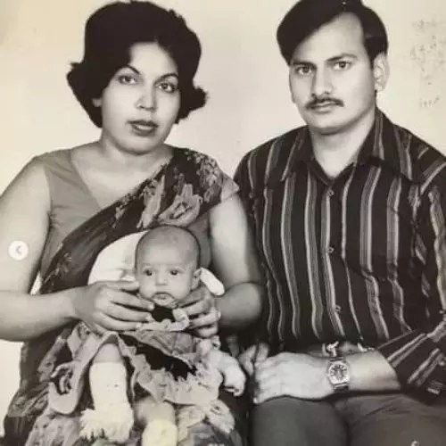 Flora Saini with Her father and Mother