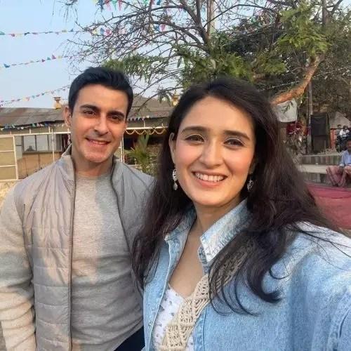 Gautam Rode with Pankhuri Awasthi (Wife)