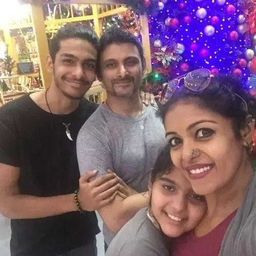 Sandhya Manoj with his family