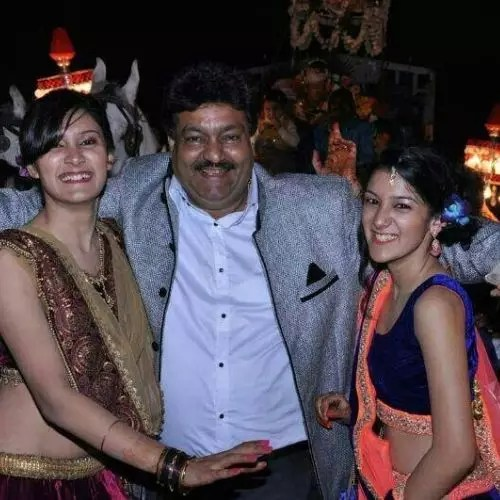 Aastha Gill with Father and Sister