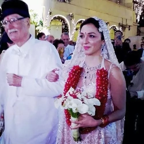 Nauheed Cyrusi with Her Father