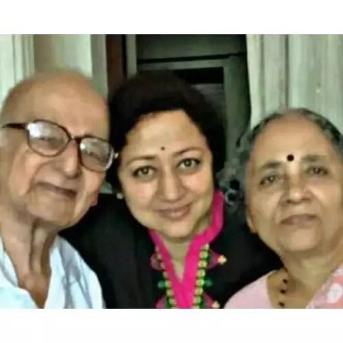 Vinaya Prasad with Parents