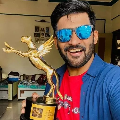 IWMBuzz.com Impactful Influencer of the Year Award with Abhi