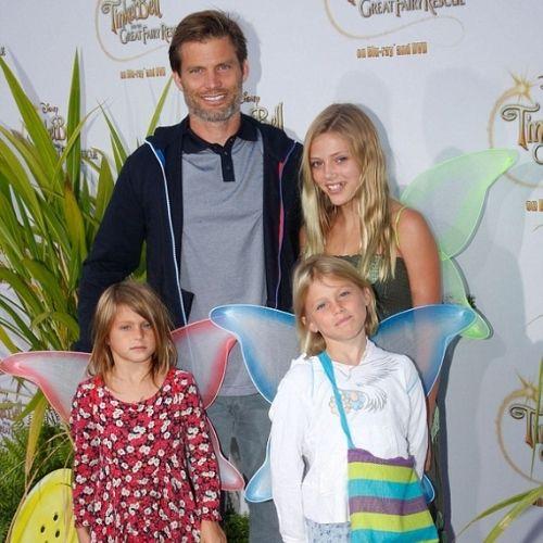 Casper Van Dien with family