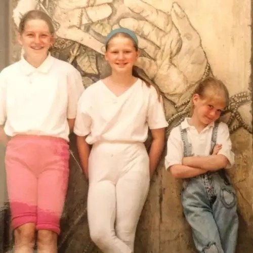 Genevieve Angelson with Siblings