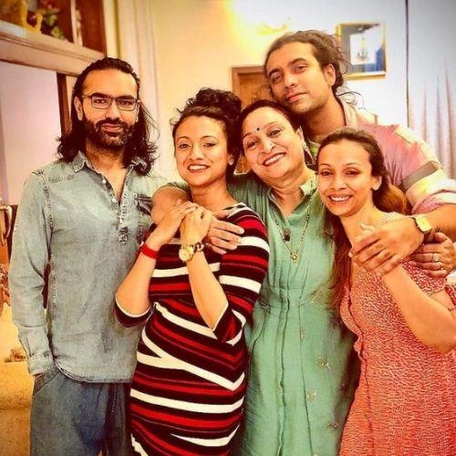 Jubin Nautiyal with Family