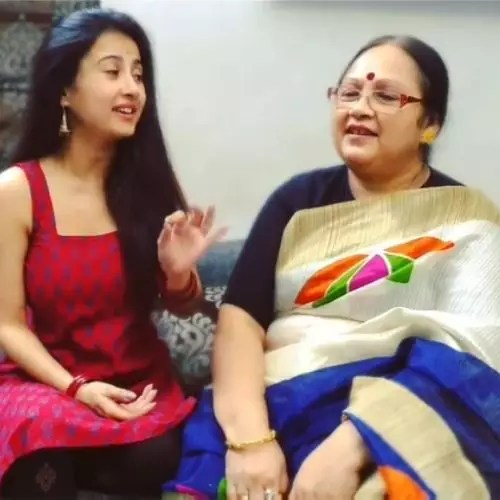 Monami Ghosh with mother