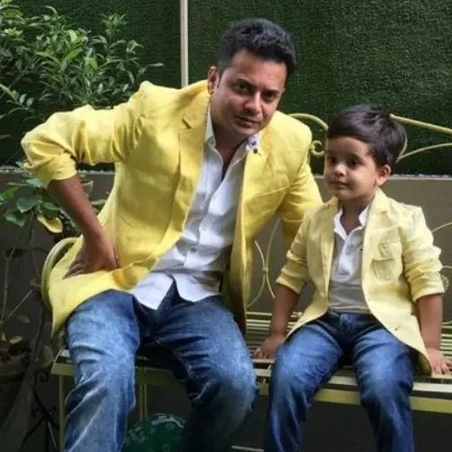 Rahul Arunoday Banerjee with son