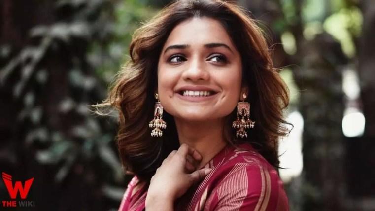Hruta Durgule (Actress)