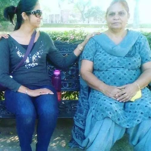 Navjyot Randhawa with Mother