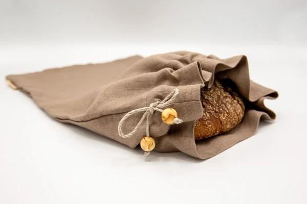 Pellavakankainen leipäpussi, leipä