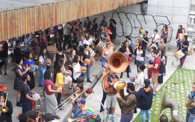 Orquestra Voadora, Rio Carnival Practice