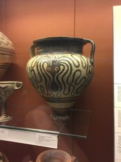 Octopus / Squid on an ancient jug / urn.