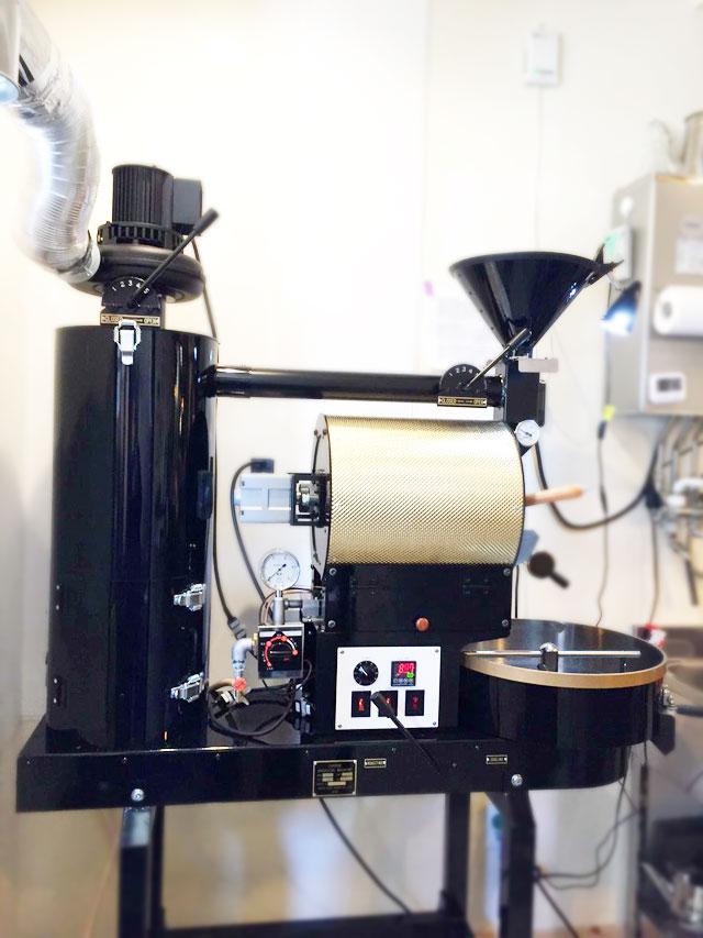 東京都町田市の中珈琲に2kg焙煎機の半熱風式を設置しました。