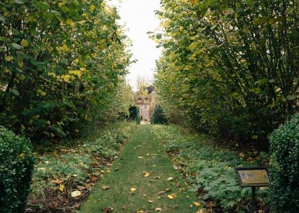 Groombridge Place Cob Nut Walk