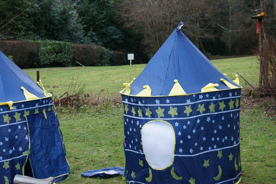 Kids bird watching castle tent hides