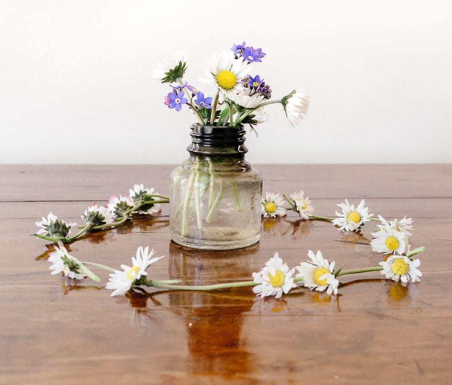 How to make a simple daisy chain step by step guide