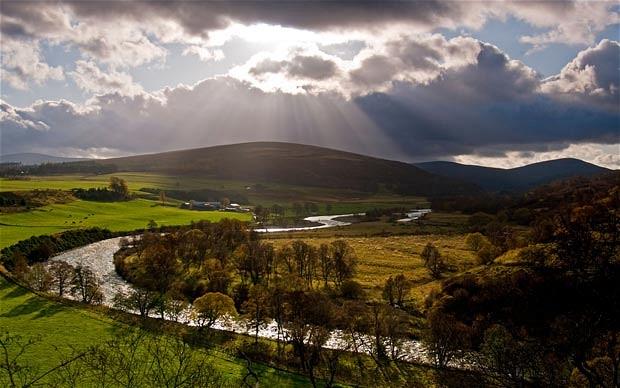 whisky wildlife walking tour Speyside Cairngorms Scotland Scotch whiskey trail