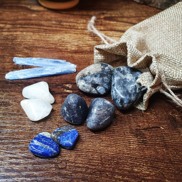 Throat Chakra Crystal Set