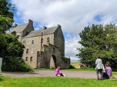 Sketching at Midhope Castle