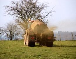 Bauern sehen Felder als Entsorgungsdeponie